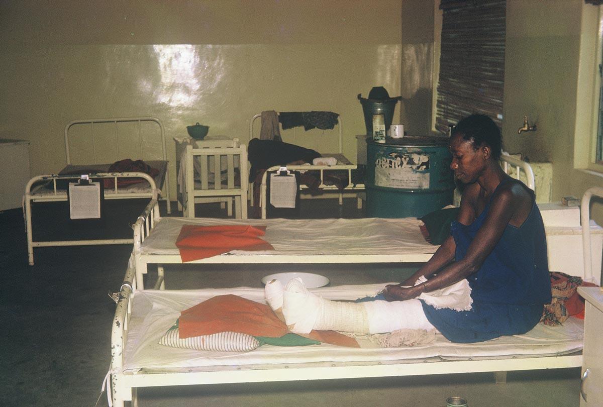 woman-in-hospital-ward-BLS