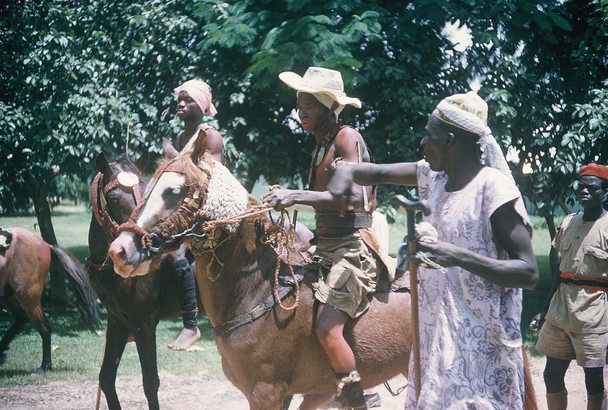 horsemen-riding-bareback